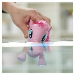 My Little Pony Pinkie Pie Swimming Pony