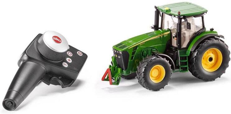 Läs mer om Traktor John Deere 8345R RC radiostyrd