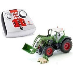Radiostyrd Traktor Fendt med frontlastare